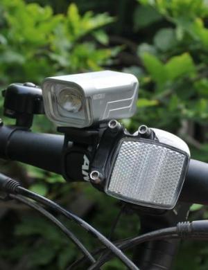 性能上乘,细节有待提高——纳丽德B10自行车灯