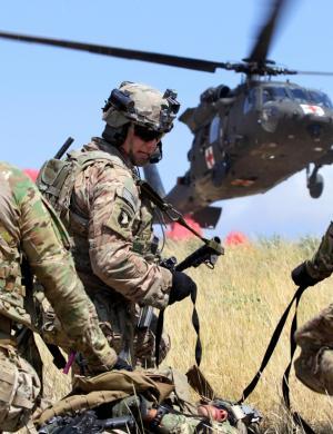 浅谈13年后美国陆军常规单位的步兵战时头部装备(1.0)