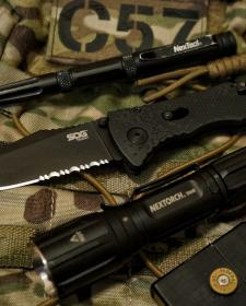 掌中利矛—— SOG Trident TF-1 三叉戟折刀测评