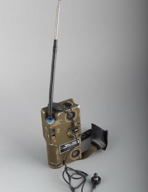"""求生之路的""""门铃"""" ——美军AN/PRC-90-2应急求生电台"""